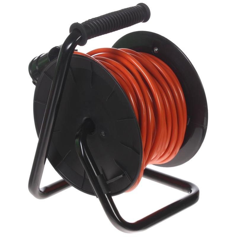 Удлинитель с заземлением на катушке 1 розетка 3х1.5 мм2 30 м