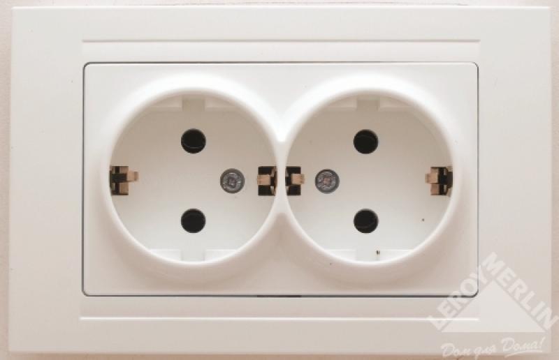 Розетка Gunsan Moderna с заземлением, 2 разъема, цвет белый