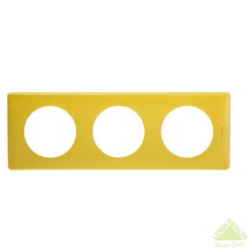 Рамка для розеток и выключателей Celiane, 3 поста, цвет шафран
